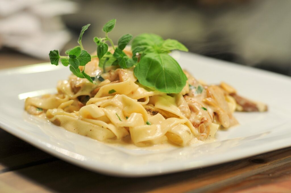 pasta, mushrooms, basil