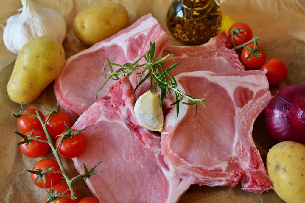 chops, pig, pork chop-2809505.jpg